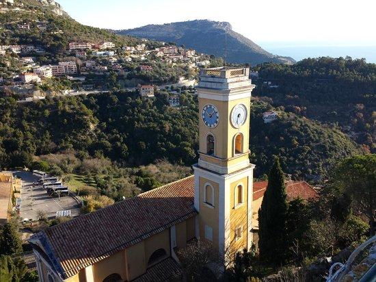 """Eglise Notre Dame de l'Assomption : il campanile """"piatto"""" visto dall'alto"""