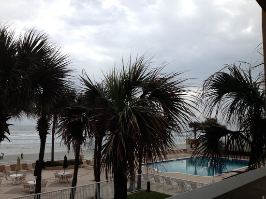 Holiday Inn Hotel & Suites Daytona Beach : Oceanfront room view
