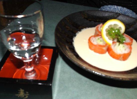 Wasabiya Japanese Sushi Cafe: Smoked salmon shashimi...