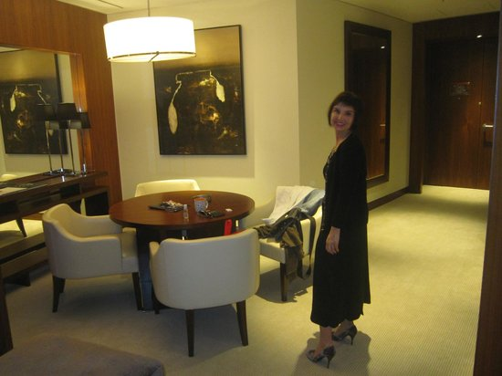 JW Marriott Marquis Hotel Dubai : Our suite!