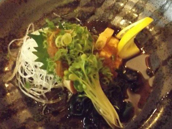 Wasabiya Japanese Sushi Cafe: Tuna Tatakui smothered in veggies and noodles