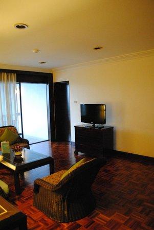 The Regent Cha Am Beach Resort : One Bedroom Suite 2442 - living room area