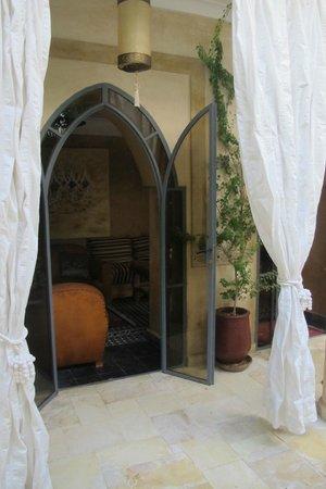 Riad Oasissime : salon cheminée