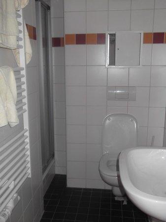 DJH Jugendgaestehaus Adolph Kolping : toilet