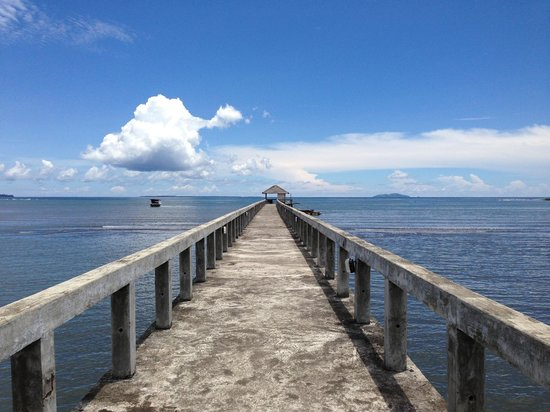 Cocotinos Manado : View from the private pier