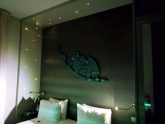 Five Hôtel : Starlight over the bed!