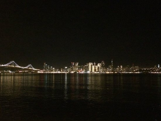 Big Bus Tours San Francisco : Pictures from Treasure Island at night!