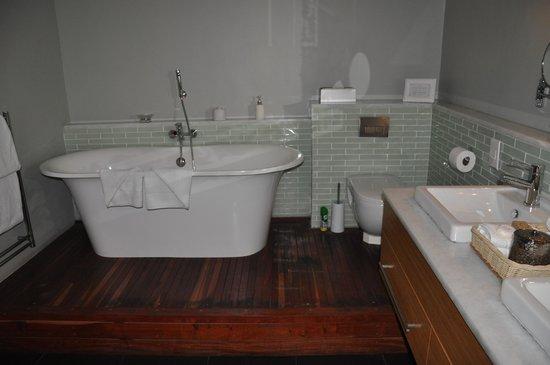 Cape Heritage Hotel: ....coté bain