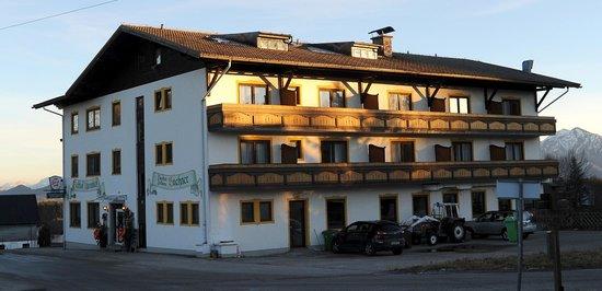 Hotel Alpenblick: Pension Alpenblick *** Familie Buchner Schwaighofenberg 11 A-5301 Eugendorf bei Salzburg
