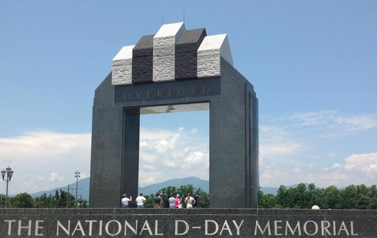 National D-Day Memorial: The huge and highly symbolic D-Day arch