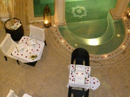 Riad Ambre et Epices : Sala de jantar com glamour