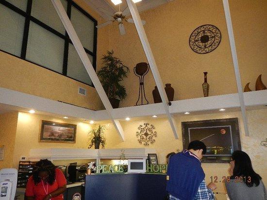 Days Inn Cocoa Beach Port Canaveral: lobby