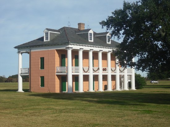 Creole Queen Mississippi River Cruises: House on Battlefield