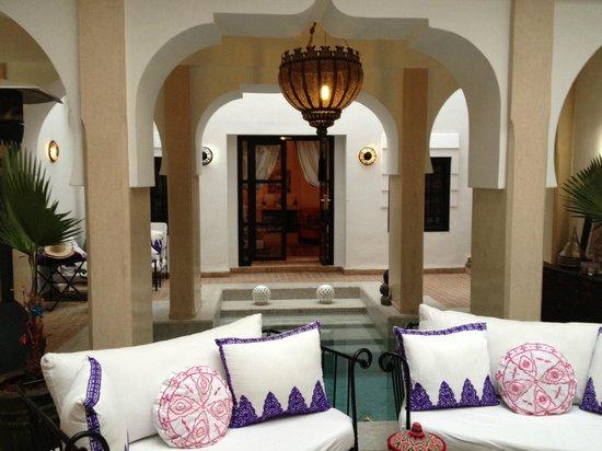 Dar Charkia: View over the pool to Sa'da suite