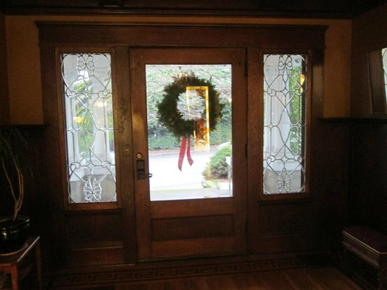 Evermore Guesthouse: Entrance