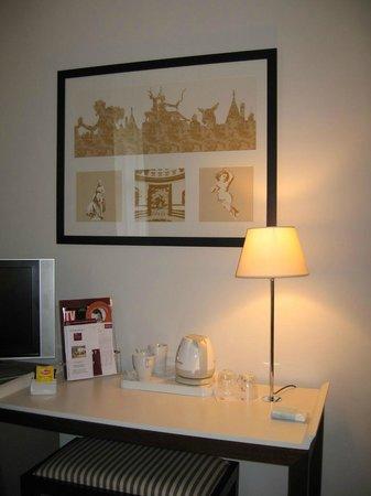 Mercure Rambouillet : Bureau dans la chambre