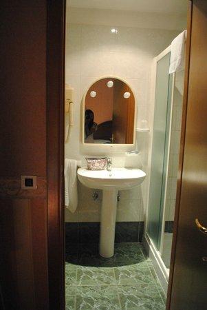 Hotel St. Moritz : Salle de bain
