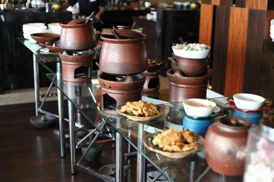 Crowne Plaza Semarang: local food