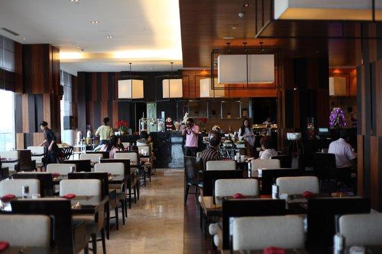 Crowne Plaza Semarang: the breakfast