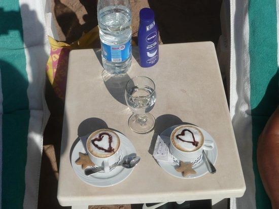 Swiss Inn Resort: Good service on the beach...