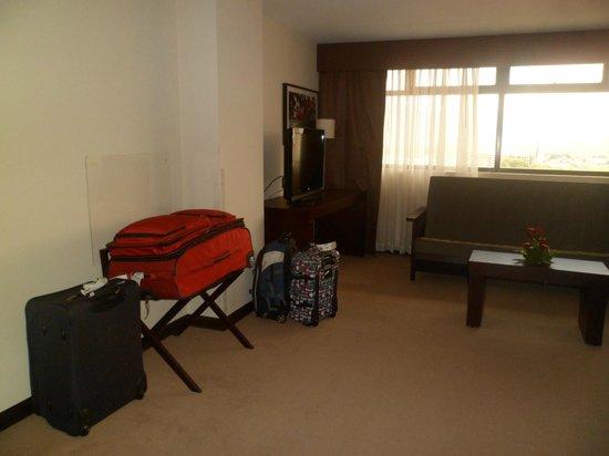 Tryp by Wyndham San Jose Sabana : Mucha comodidad en la habitacion