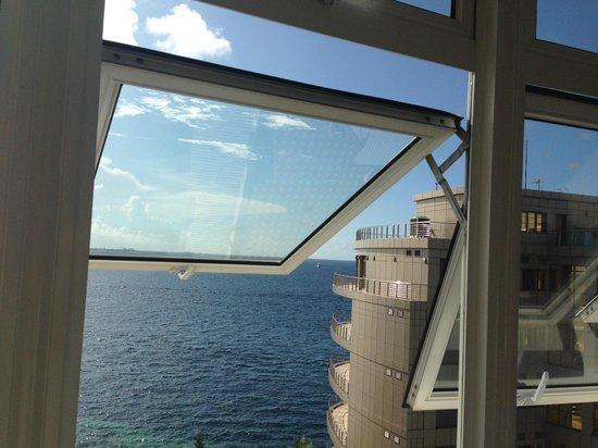 Marble Hotel: Вид из окна