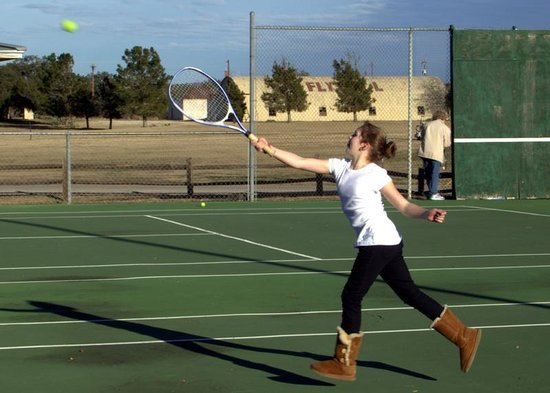 Flying L Hill Country Resort: Kids loved Tennis