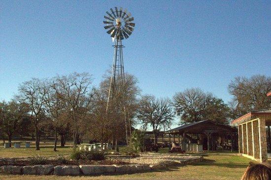 Flying L Hill Country Resort: Resort