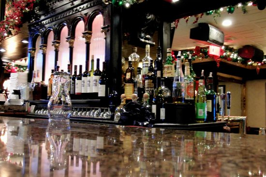 Hurley's Saloon: стойка 1