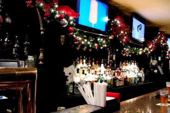 Hurley's Saloon: стойка 2