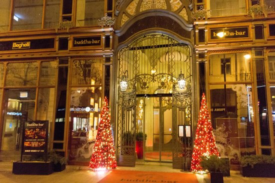 Buddha-Bar Hotel Budapest Klotild Palace : Eingang zur Buddha Bar (nicht der Hotel Eingang)