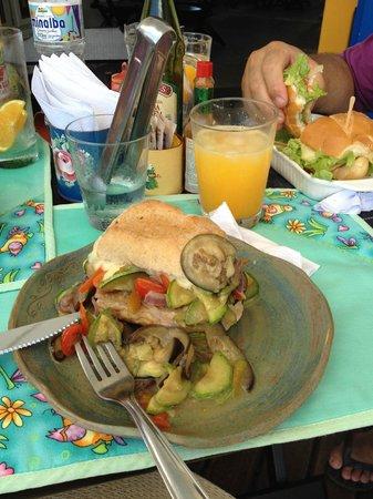 Cannelle: Sanduíche de legumes