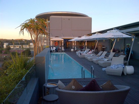 Hilton Windhoek: Upper Deck Pool and Sky-Bar