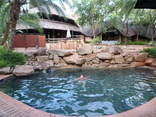 Lokuthula Lodges: Boma Small Pool