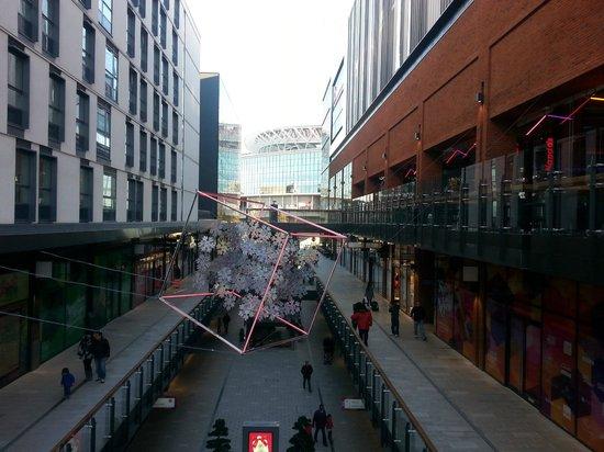 Ibis London Wembley: Дизайнерский аутлет - по соседству с гостиницей