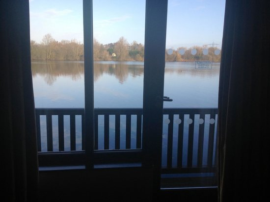 The Reading Lake Hotel: View from our ground floor room