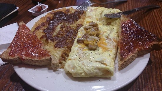 The Great Dane Pub & Brewing Co.: Wisconsin cheese omelet, hash browns, toast
