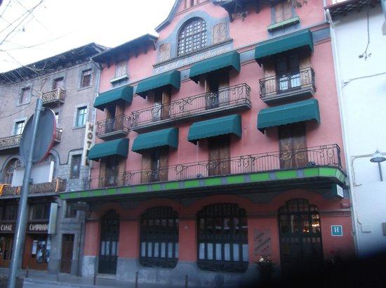 Camprodon Hotel: Vista fachada Hotel