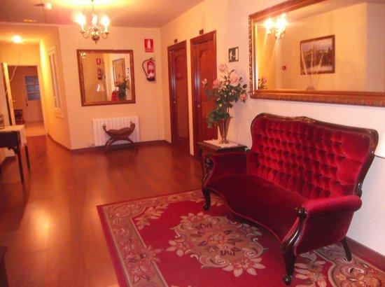 Camprodon Hotel: Hol entre habitaciones