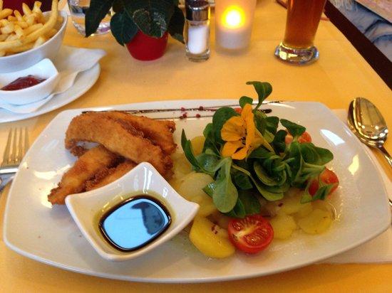 Restaurant Roth: Insalata di patate con pollo croccante