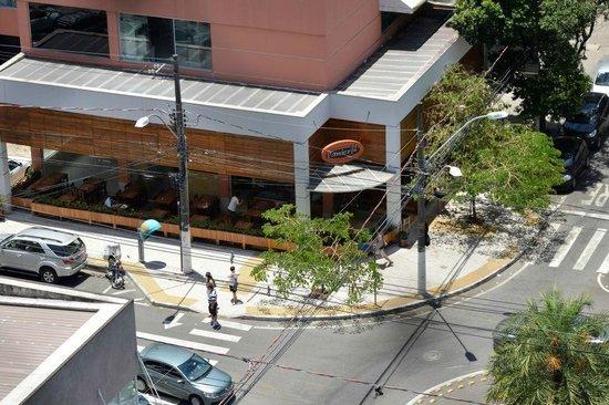 Canto Beach : rua Aleixo Neto com Chapot Presvot - Foto Ana Ciulada