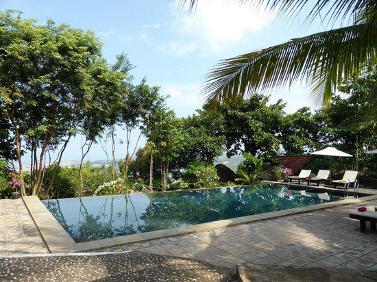 Pagoda Rocks Boutique Guesthouse: vue depuis la piscine