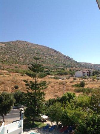 Apollon: view to the mountain
