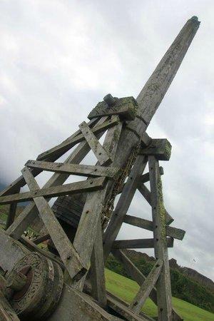 Urquhart Castle: Catapulta