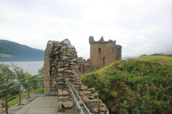 Urquhart Castle: Vista exterior