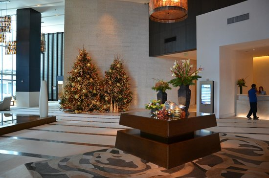 Kimpton EPIC Hotel: Lobby