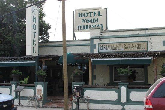 Posada Terranova : Hotel mit Restaurant-Terrasse