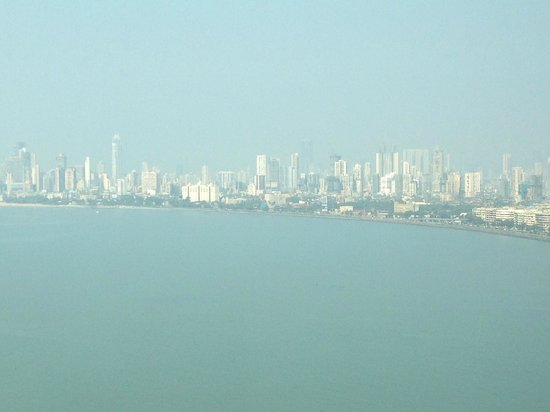 Trident, Nariman Point: The view from our room on the 31st floor