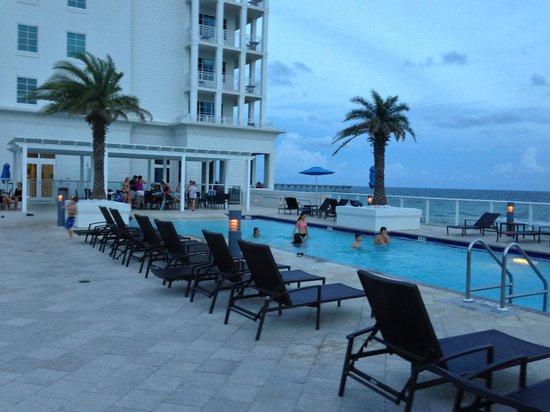 Margaritaville Beach Hotel: Pool area