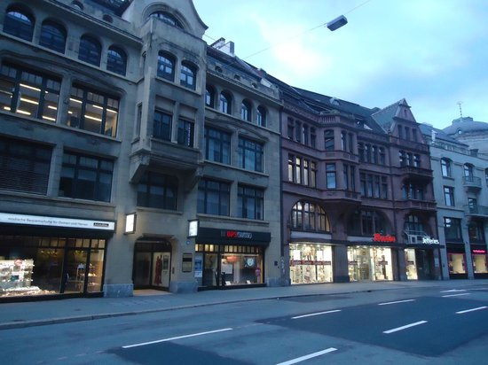 Glockenhof Zürich: Arredores do hotel